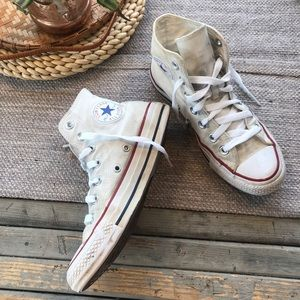 Converse Chuck Taylor white high top sneakers 5.5
